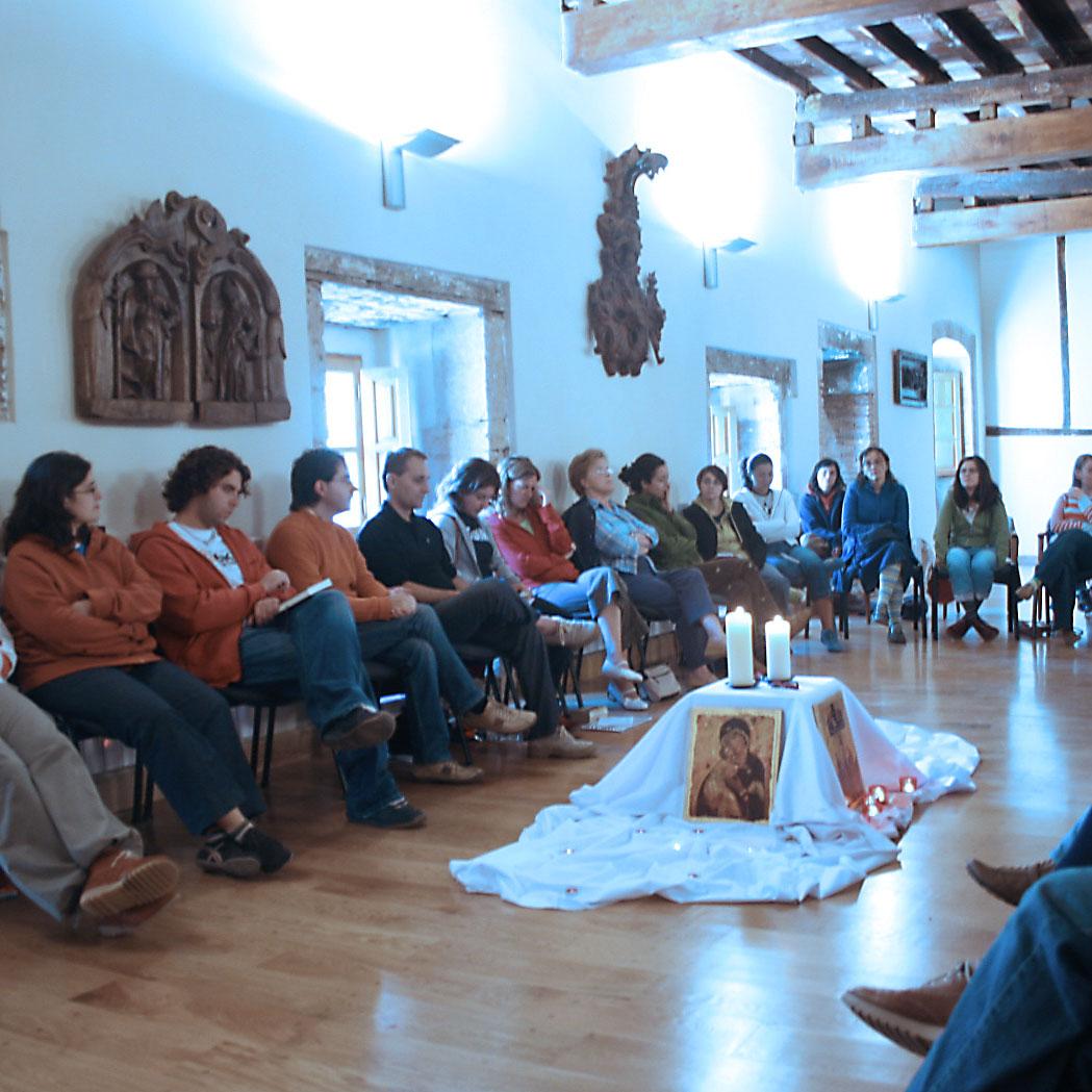 Reunión jóvenes cristianos